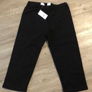 Kids Gap Capri length pants. NWT. Size Large